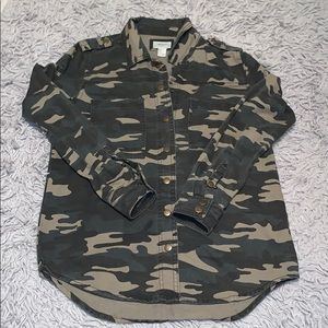 Flash SaLe $18 Forever 21 Camo Jacket or Shirt